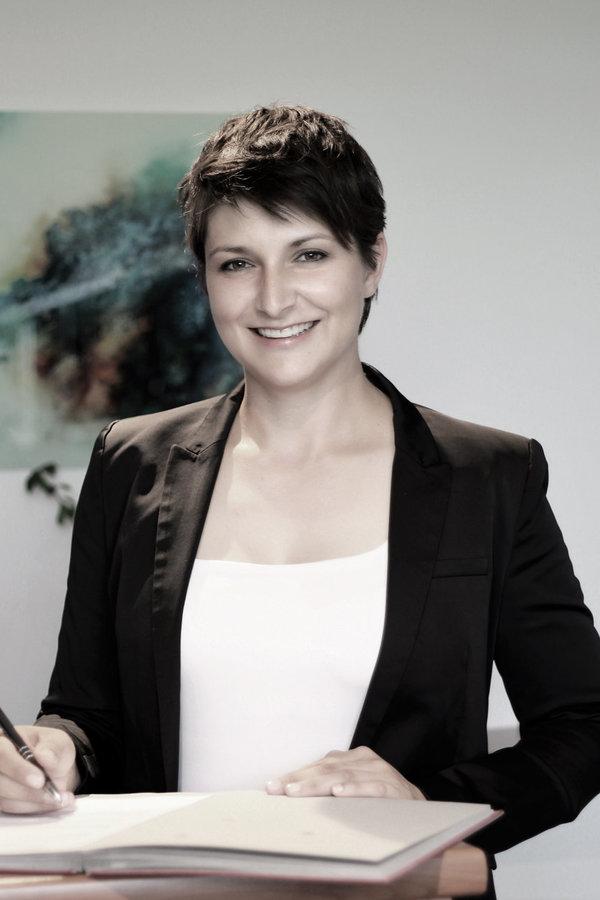 Rechtsanwältin Eva Radivojevic