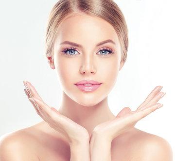 Alterslos schön durch Botox, natürliche Filler und Lasertherapie