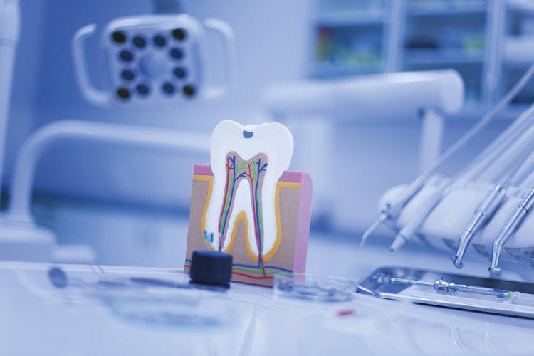 Heilen mit der Kraft des Lichtes – Moderne Zahnheilkunde mit der Unterstützung des Lasers